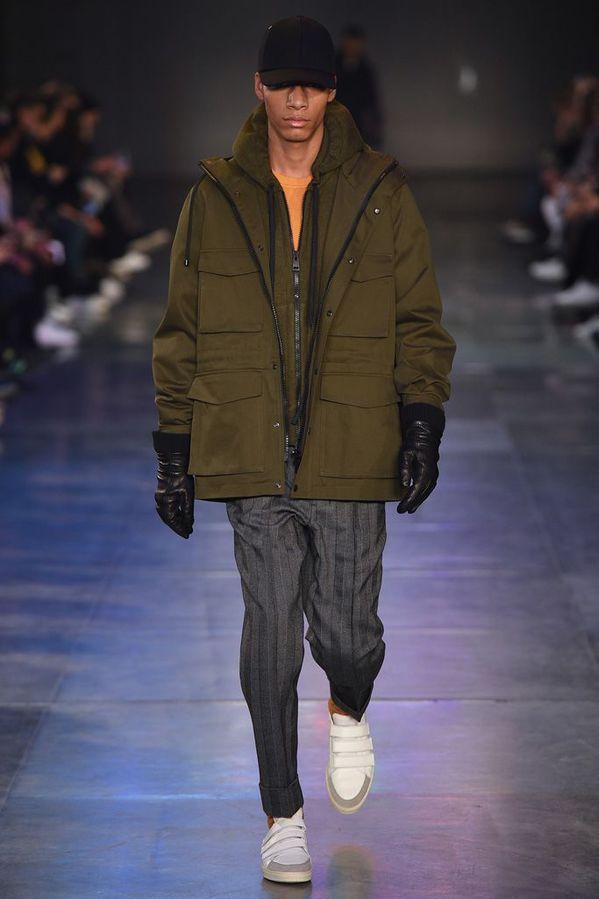 AMI_ALEXANDRE_MATTIUSSI_2017_18AW_Men_s_Collection_runway_gallery-14.jpg