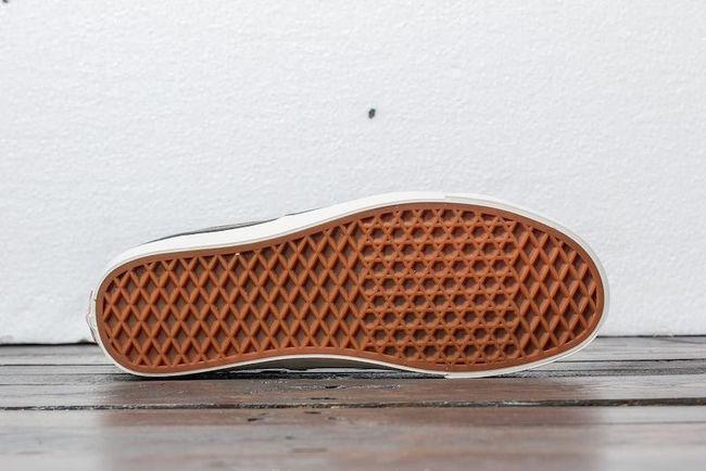 vans-authentic-344-dx-anaheim-factory-suede-og-olive.jpg