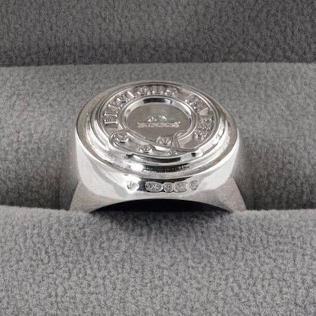 b0700103_pw-heavy-signet-ring-925-silvere381aee382b3e38394e383bc.jpg