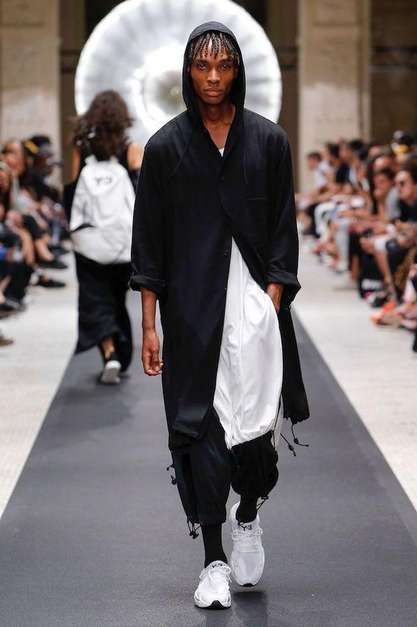 Y_3_2019SS_Men_s_Collection_runway_gallery-17.jpg